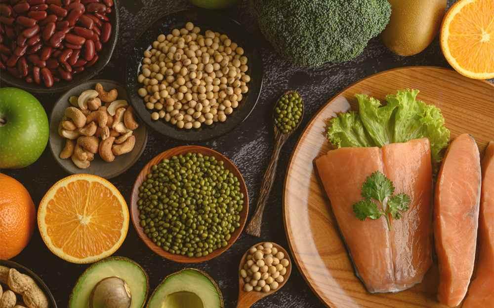 Jedzenie to podstawowe składniki odżywcze i przyjemność.