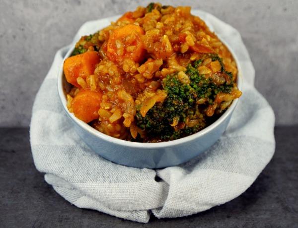 Ryż z brokułem i pieczoną marchewką przepis