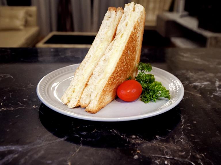 Tosty z serem z patelni przepis