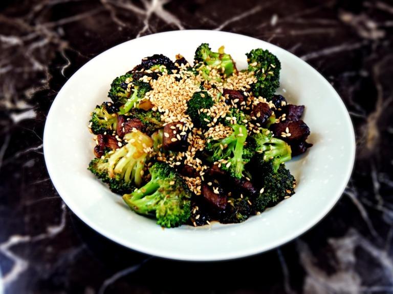 Wołowina z brokułami przepis