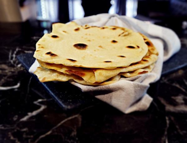 Chlebki naan przepis