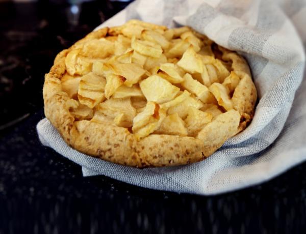 Tarta z jabłkiem przepis