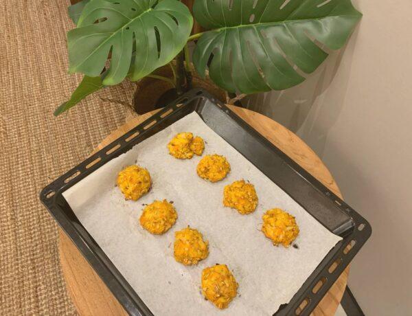 Pieczone kotlety z kalafiora i marchewki przepis