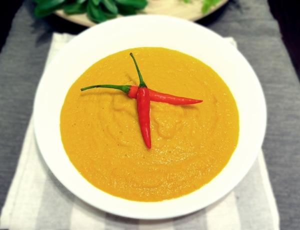 Zupa krem z marchwi z mlekiem kokosowym przepis