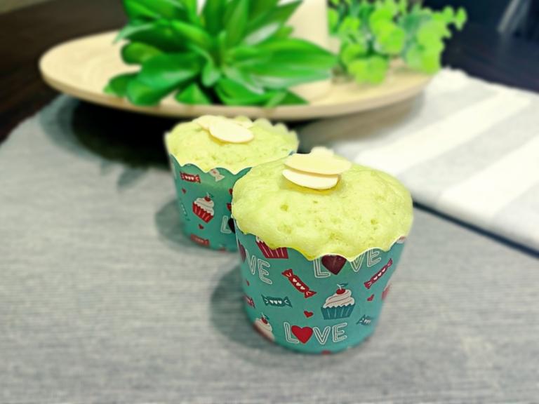 Kokosowe muffiny z awokado z mikrofalówki przepis