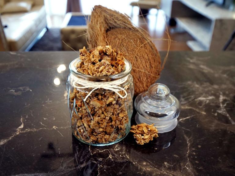 Domowa orzechowa granola przepis