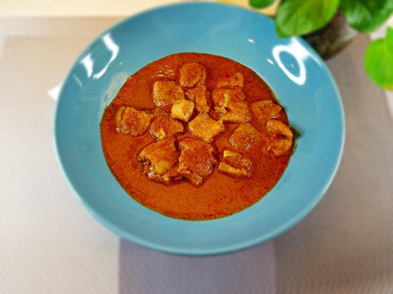 Tajskie czerwone curry z rybą przepis