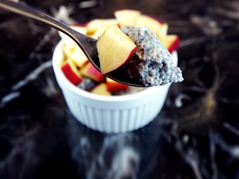 Deser chia z jabłkiem przepis
