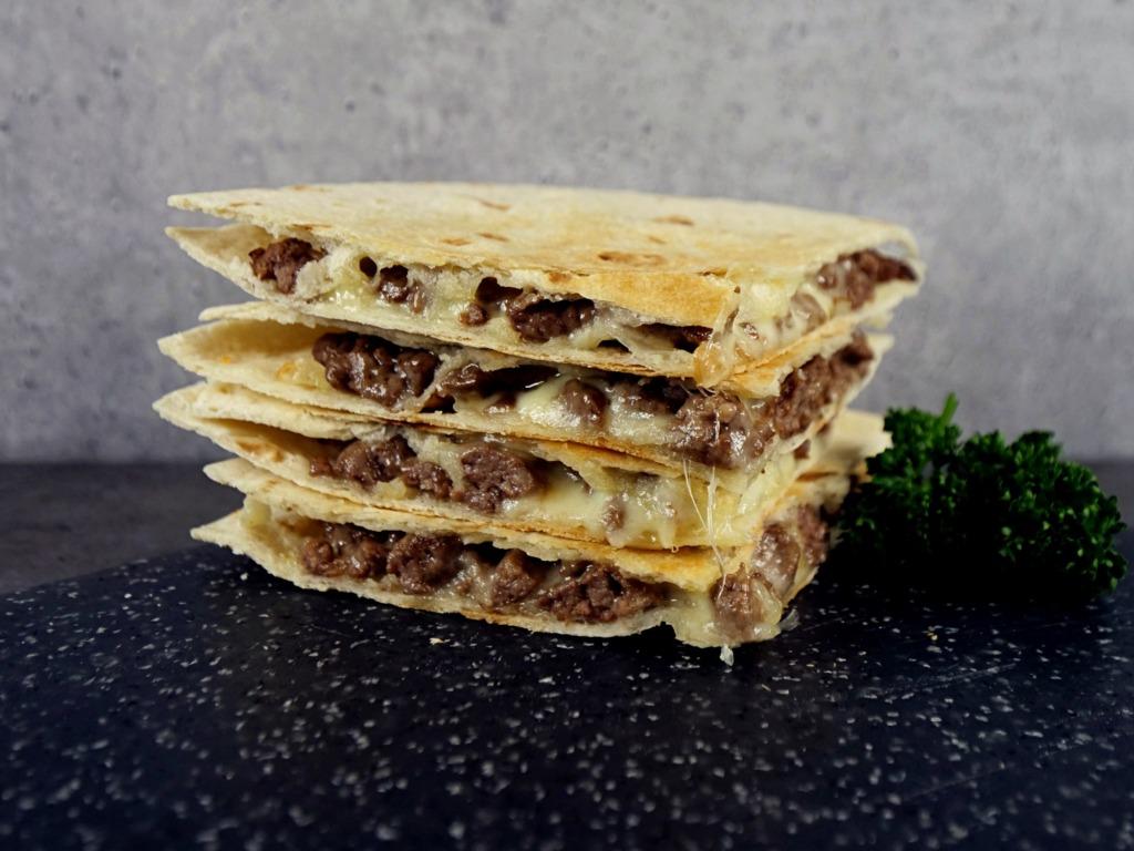 Quesadilla z mieloną wieprzowiną i serem przepis
