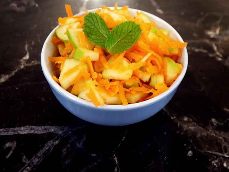 Sałatka z jabłka i marchewki przepis