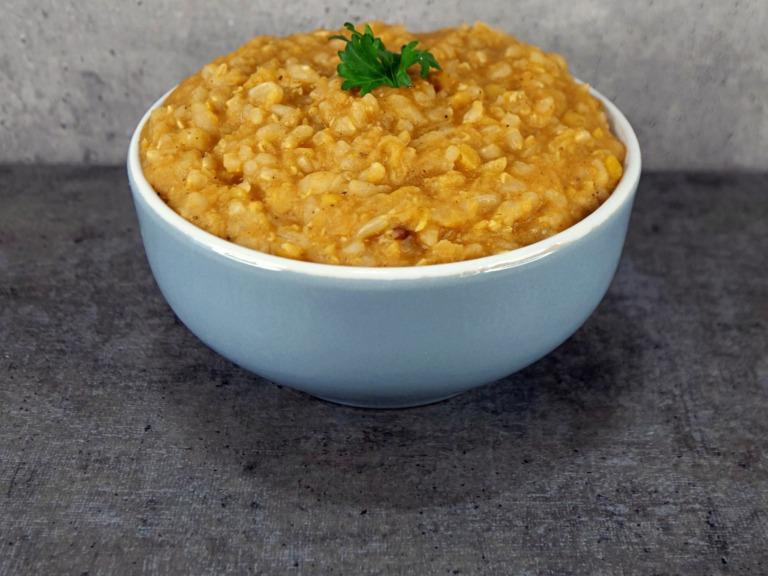 Soczewica i ryż w sosie jogurtowo-pomidorowym przepis