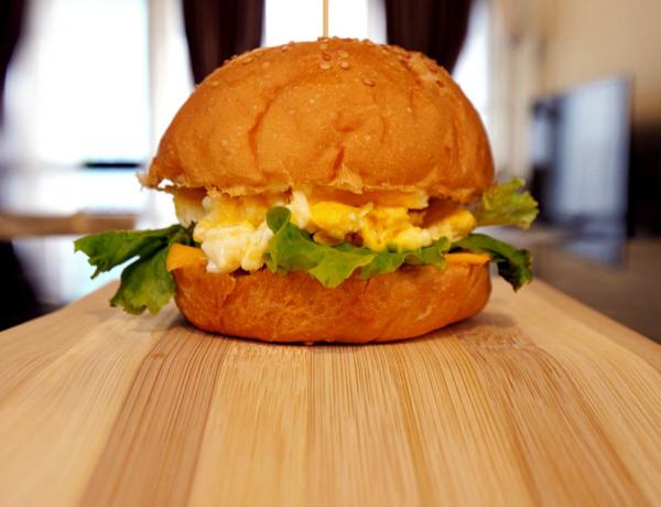 Burger śniadaniowy przepis
