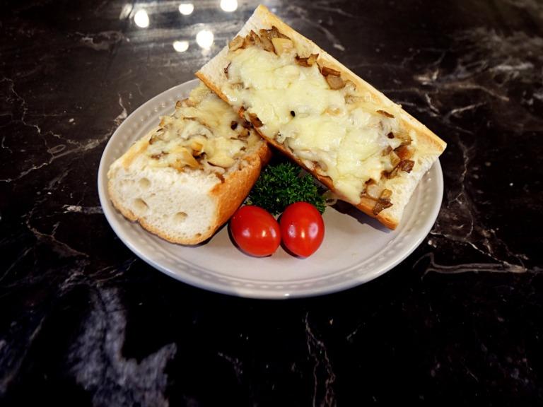 Zapiekanka z boczniakami i serem przepis