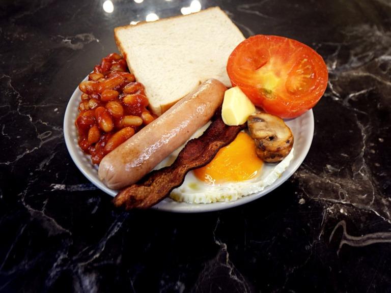 Angielskie śniadanie przepis